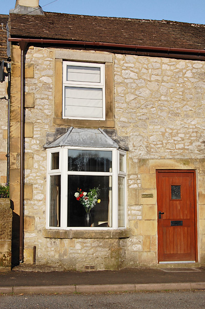 May Cottage in Tidewell, Peak District